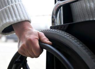 chronisch zieke werknemer rolstoel